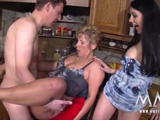 Daughter Family Kitchen Mature Mom Old and Young Threesome