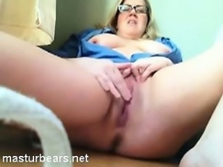 Chubby Glasses Masturbating  Webcam