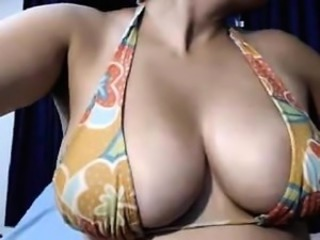Amateur Amazing Big Tits Bikini Indian  Natural