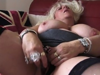 Big Tits Blonde Chubby Masturbating Mature Mom Orgasm
