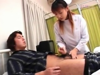 Rina Usui nurse is touched on cans while stroking anyhow