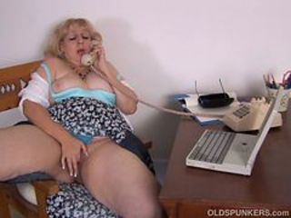 Aged heavy likes to talk Nasty onto A phone while rubbi...