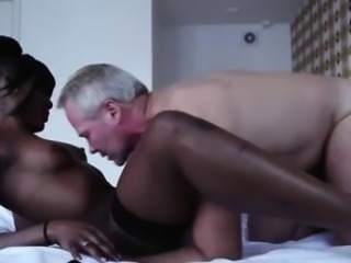 Amateur dude does oral with black European harlot