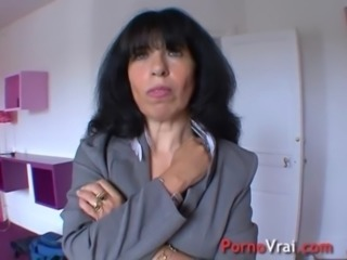 Amateur Brunette European French Mature Mom