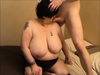 Granny BBW with an astounding pair of boobs