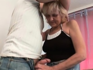 Using a mature mom to uncovered your balls