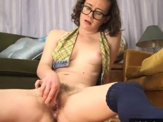 Hairy inferior pussy squirts while toyed