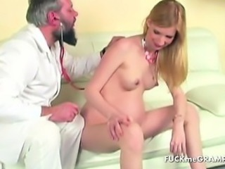Convincing chick show of her goods