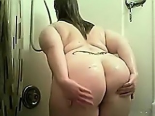 Crummy BBW Taking A Shower