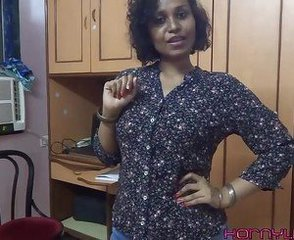 Amateur Indian Masturbating Mature Stripper
