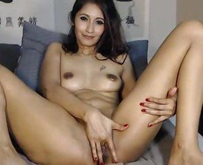 Amateur Asian Masturbating  Webcam