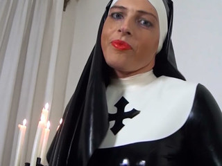 Slutty latex nun rubbing her kinky latex rags