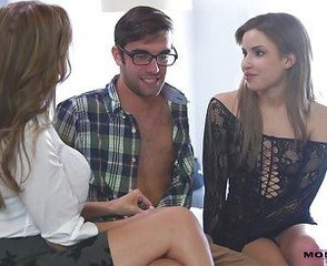 Facial Mature Mom Old and Young Threesome