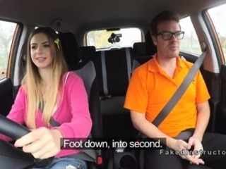 Natural busty babe bangs in driving school auto