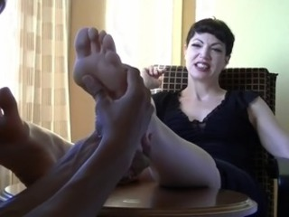 Goth Mistress foot massage