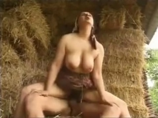 Bonny mom with hairy cunt & saggy knockers on farm
