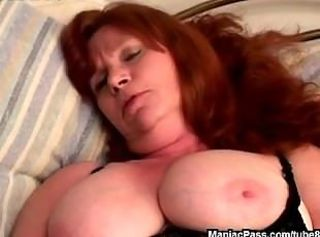 Old chubby slut doing it dirty