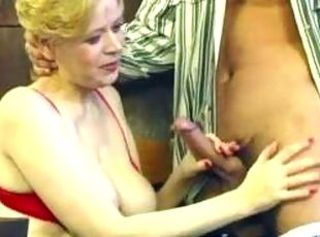 Granny with saggy interior and hairy pussy gets fucked