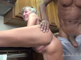 Camel Toe Kitchen - Milf Gets Facial Sex Tubes