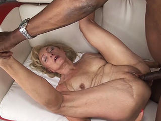 Hardcore Interracial Mature Mom