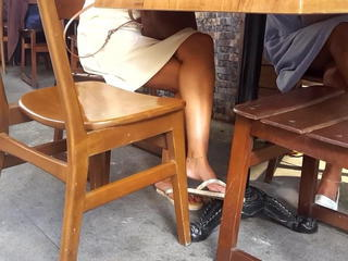 nice crossed legs hot feets under table Sex Tubes