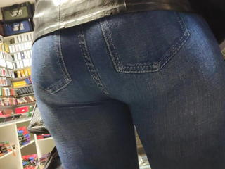 I touched chunky butts milfs in close-fisted jeans 2 Sex Tubes