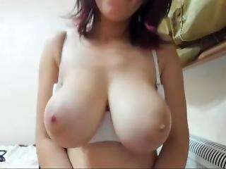 Big Boobed Girl Plays With Their way Massive Tits Exceeding Webcam