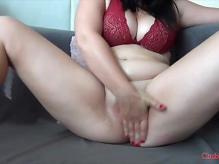 Chunky Young Girl Mastrubate Together with Belly Play