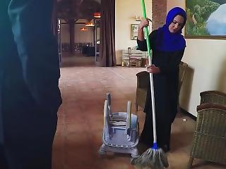 Arabs Exposed - Poor Janitor Gets Extra Money From Chief honcho In Exchange For Sex
