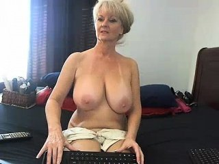 Amateur Masturbating Mature Natural Webcam