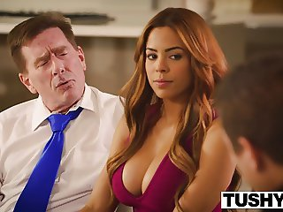 TUSHY Primary Anal Be required of Latin Knockout Luna Superstar