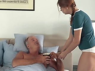 Sexy Teenage Lets Dad Finger Her Fuck Her And Drinks His Jizm After Fuck-a-thon