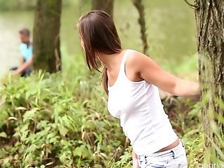 Youthfull Beauty Naomi Bennet Gets Fucked By Horny Bf At The Lake