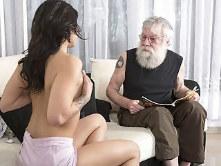 Age-old Youthfull Porno Dispirited Nubile Fucked Wide of Age-old Scrounger On The Couch