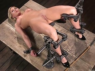 Oversexed Pornography Model Ariel X Takes Part Just about Xxx Domination & Submission Chapter