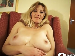 Large-titted Chick Shows Off Her Unequalled Masturbating Abilities