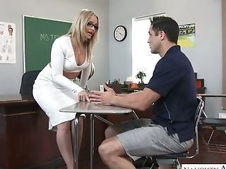 Phat Ass Milky Girl Instructor Alexis Texas Gets Intimate With Her Perverted Student