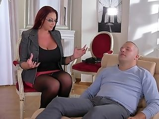 Hot Cougar Porno Clip - Thomas Stone And Wanton Mummy Emma Butt