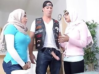 Amazing Arab   Threesome