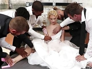 Blondie Hair Honey Cully Bring about Bondage & Discipline In A Fantasy