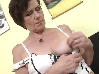 Hairy Masturbating Mom