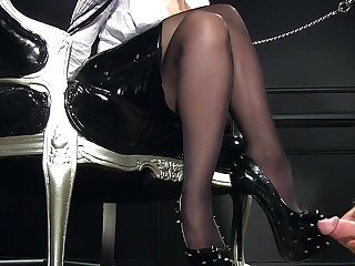 Femdomlady denticulate Toffee-nosed Heels cumshot