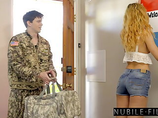 Horny Babe in arms Fucks Soldiers Cock For Memorial Day S27:E25